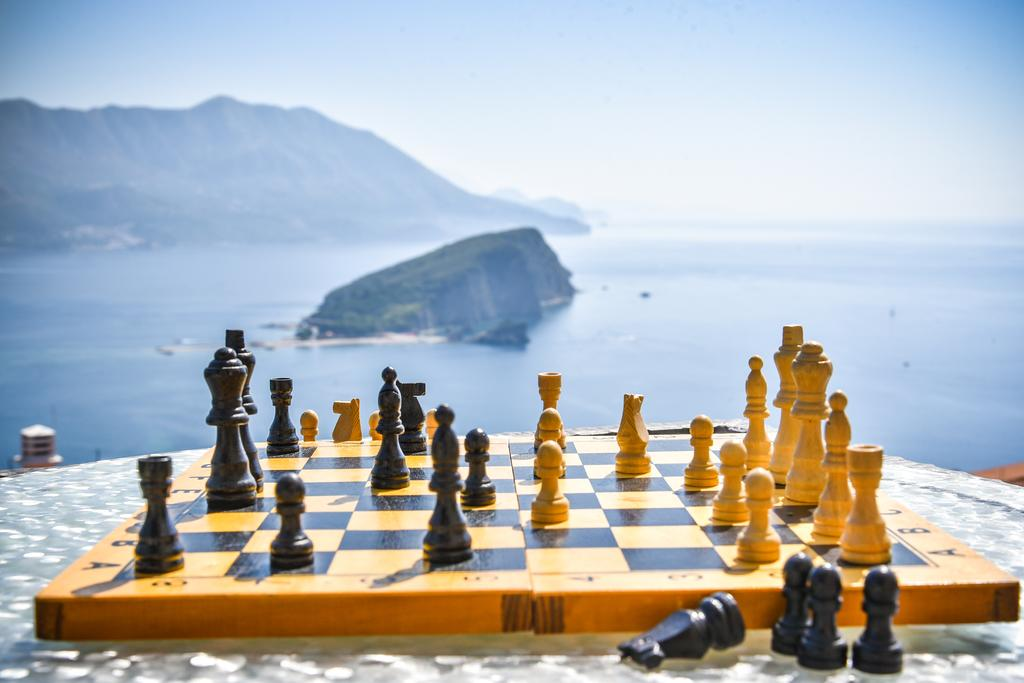 Chessboard and the sea